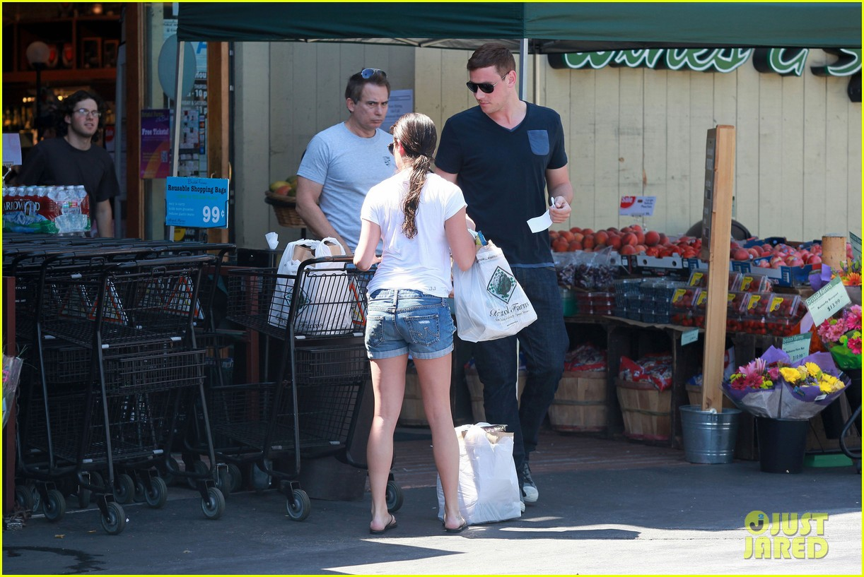 lea michele birthday grocery run with cory monteith 022710603