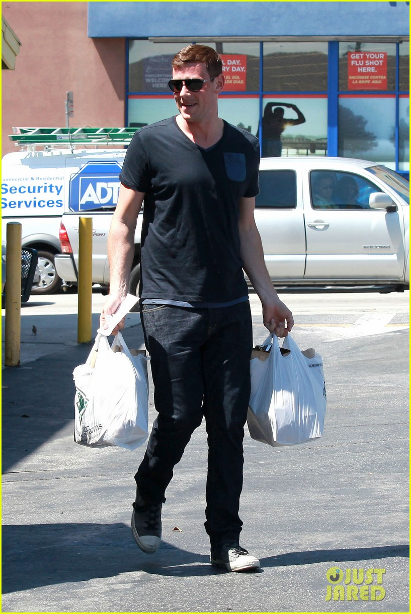 lea michele birthday grocery run with cory monteith 032710604