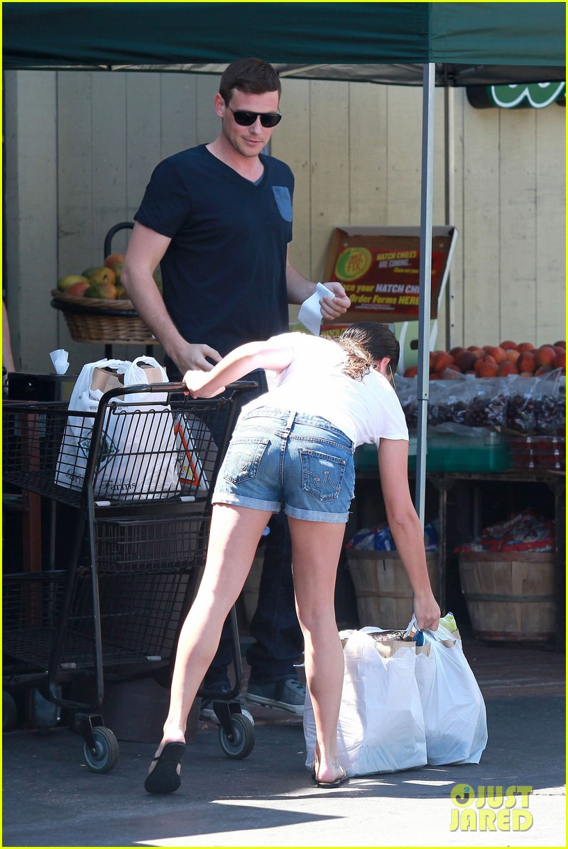 lea michele birthday grocery run with cory monteith 042710605