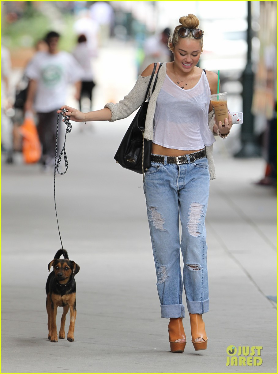 miley cyrus liam hemsworth filming in philly 102698313