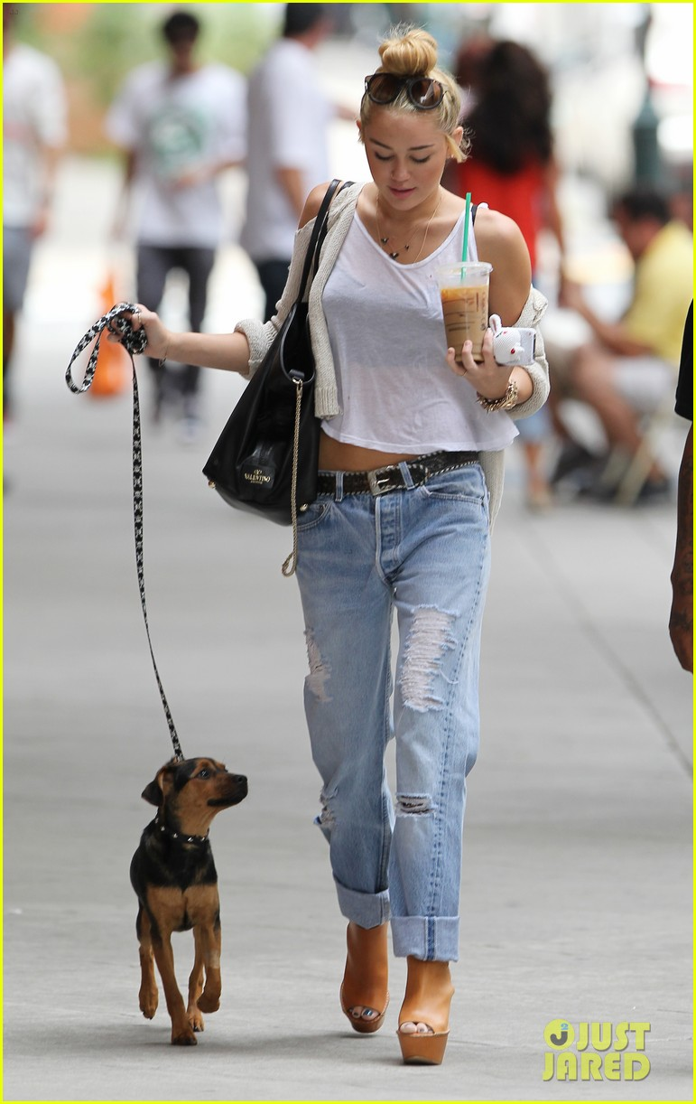 miley cyrus liam hemsworth filming in philly 122698315
