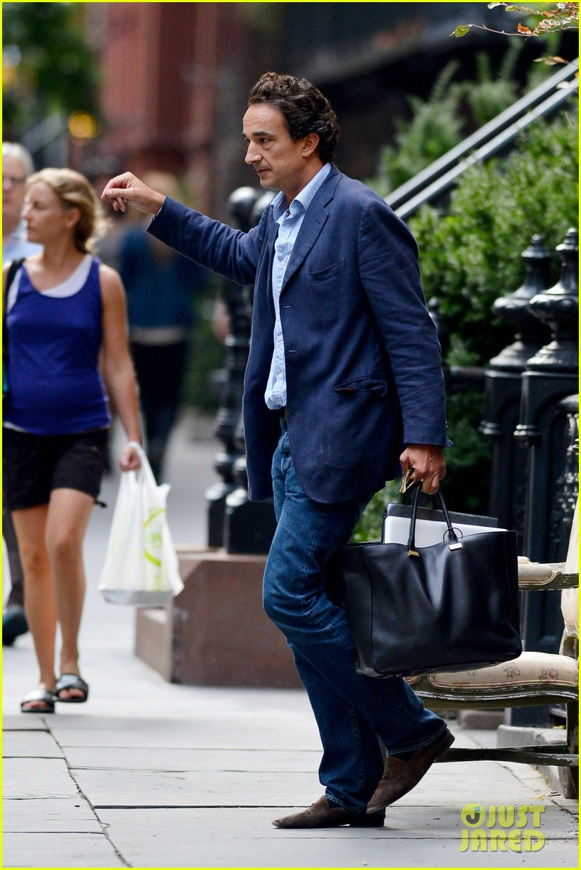 mary kate olivier sarkozy leave apartment 042705692