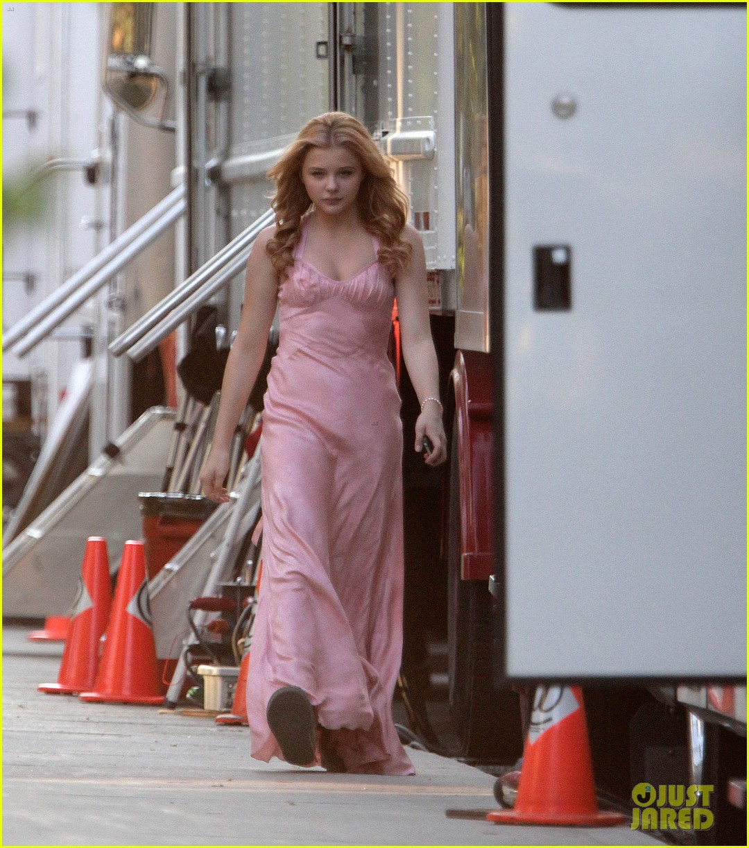 chloe moretz blood soaked on carrie set 142708367