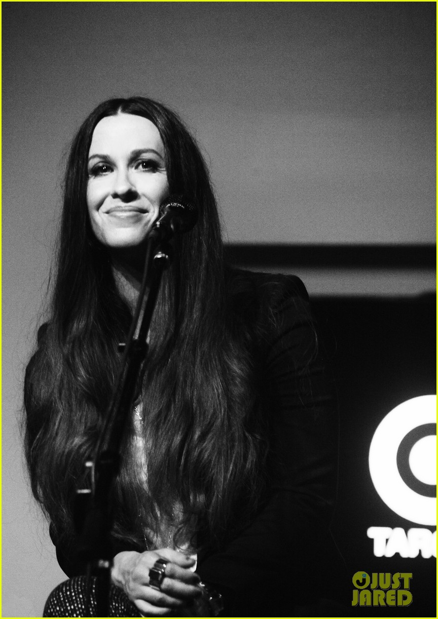 alanis morissette album listening party 012705907