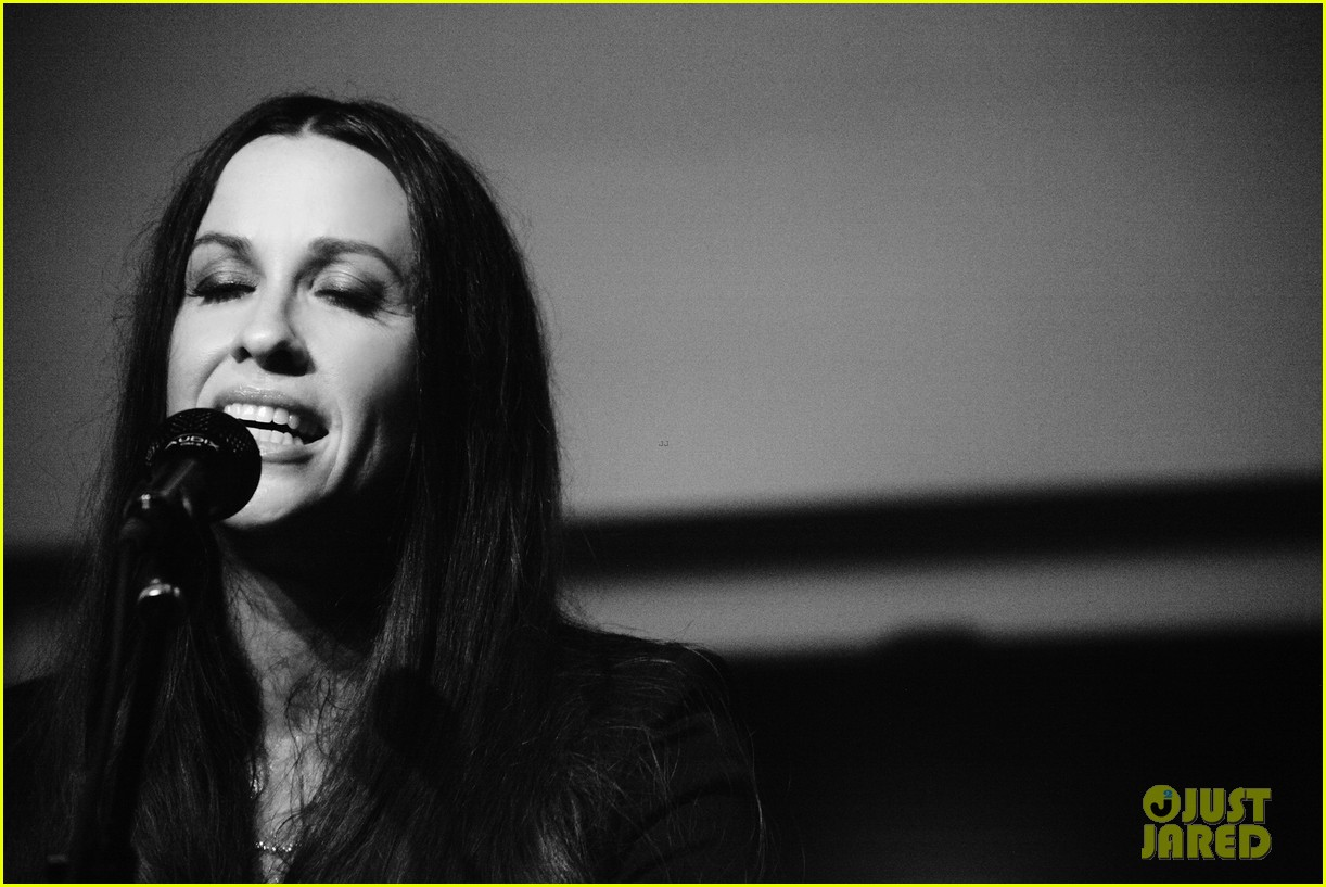 alanis morissette album listening party 062705912