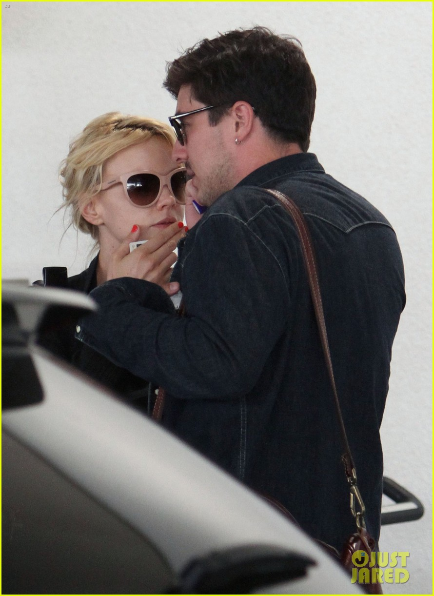 carey mulligan marcus mumford lax lovebirds 02