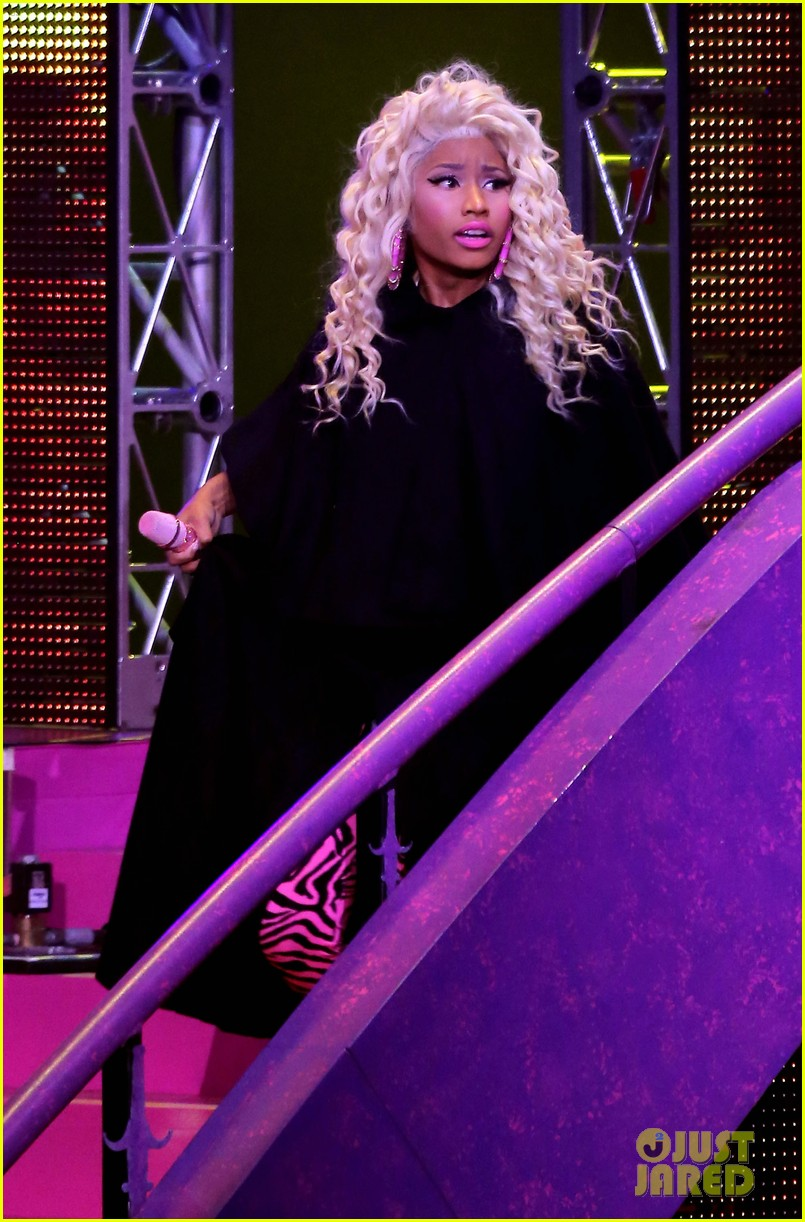 nicki minaj planet hollywood 14