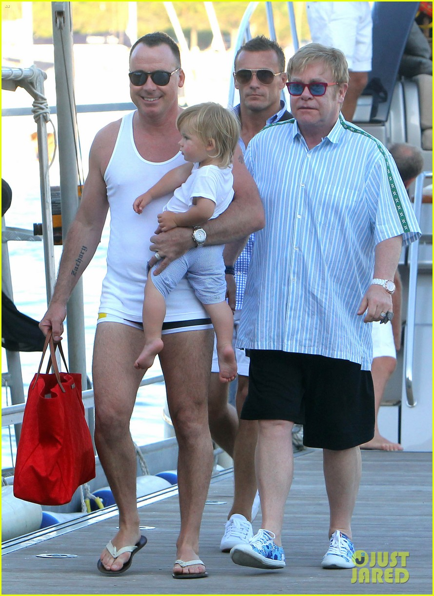 neil patrick harris saint tropez with the family 032696072