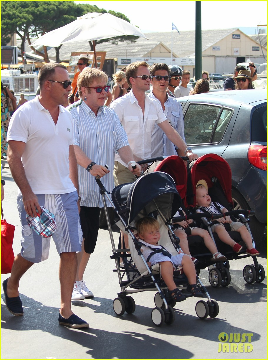 neil patrick harris saint tropez with the family 052696074