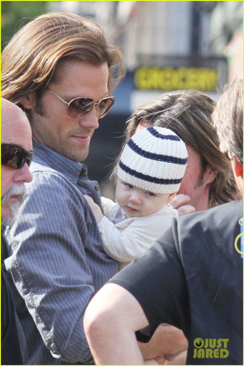 jared padalecki supernatural set visit from thomas 04