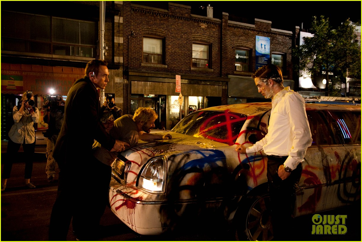 robert pattinson new cosmopolis stills 022698168