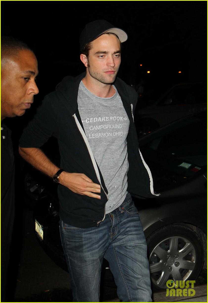 Robert Pattinson noite aldeia a leste de fora 05