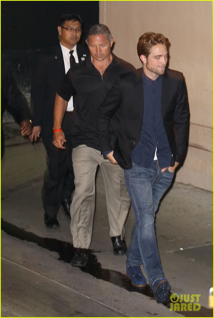 robert pattinson jimmy kimmel live appearance 15