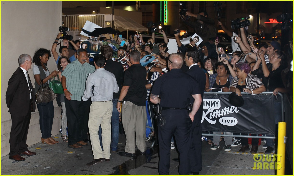 robert pattinson jimmy kimmel live appearance 212707136