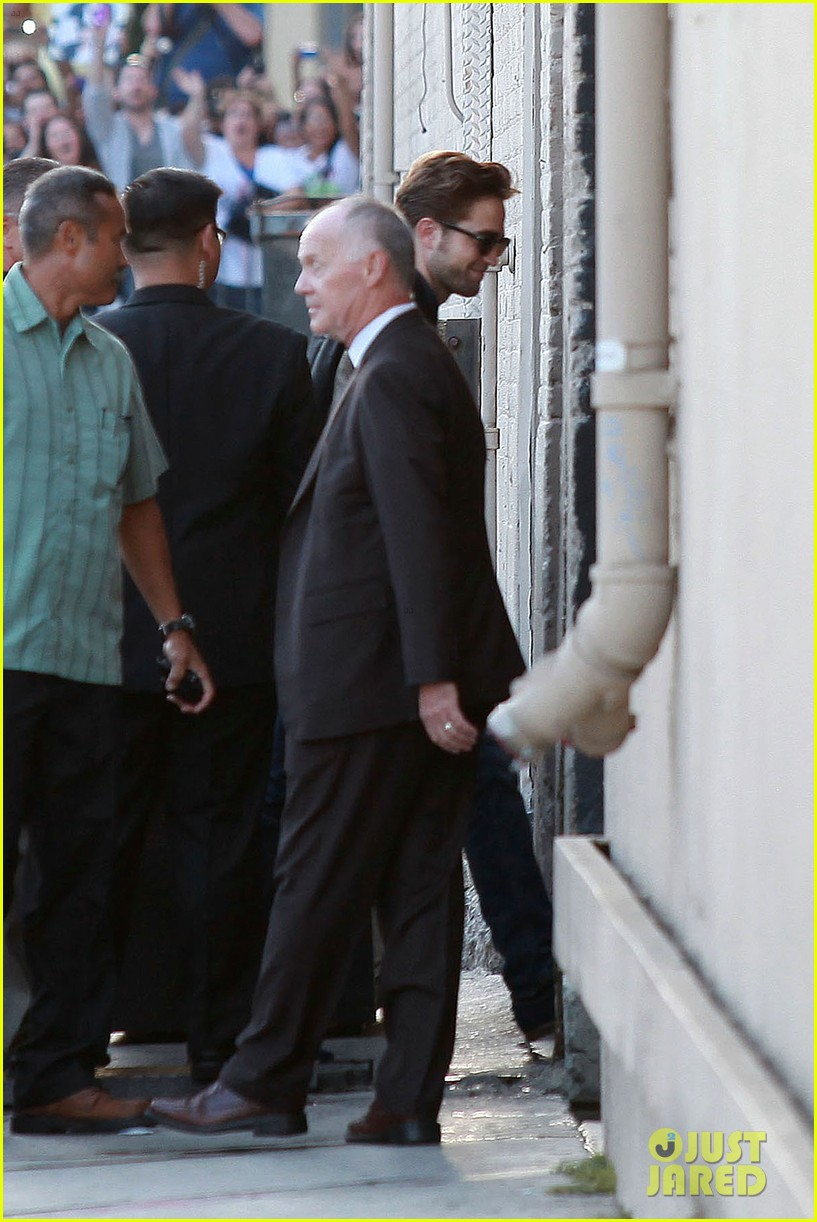 robert pattinson jimmy kimmel live appearance 312707146