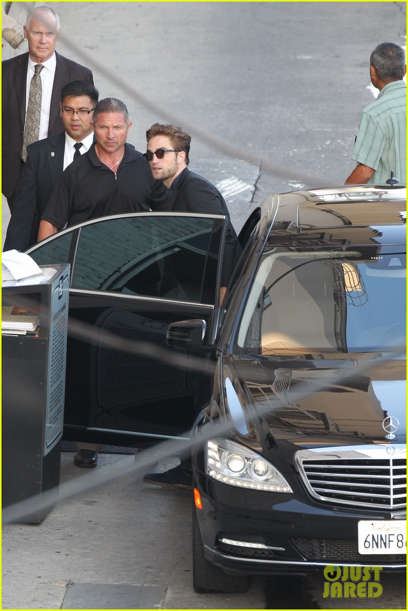 robert pattinson jimmy kimmel live appearance 432707158