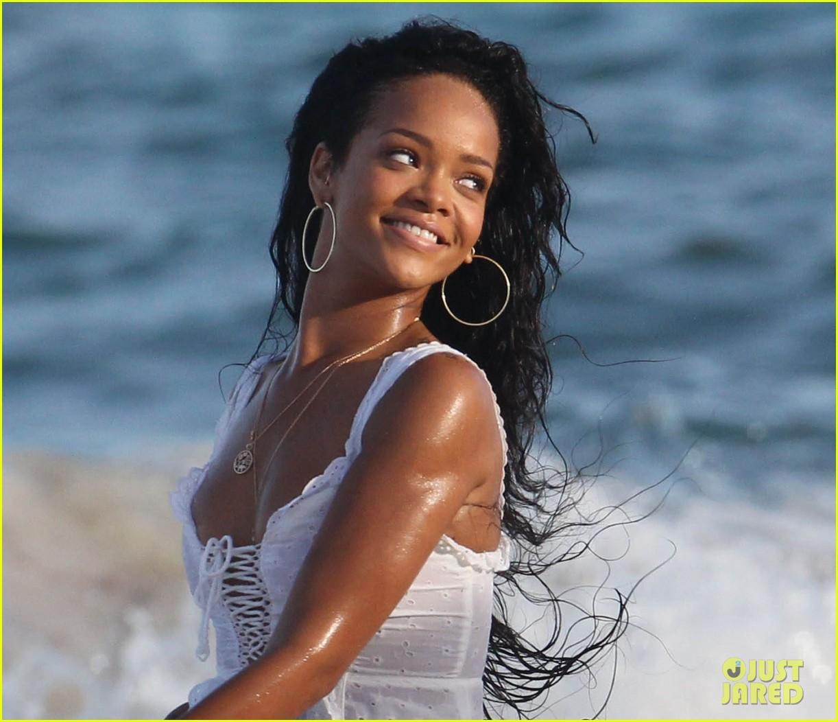 Who Rihanna Dating 2012 Calendar