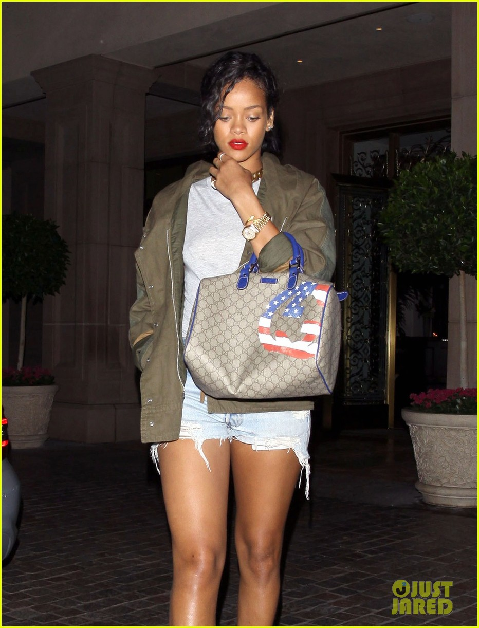 rihanna talk that talk number one uk 072702052
