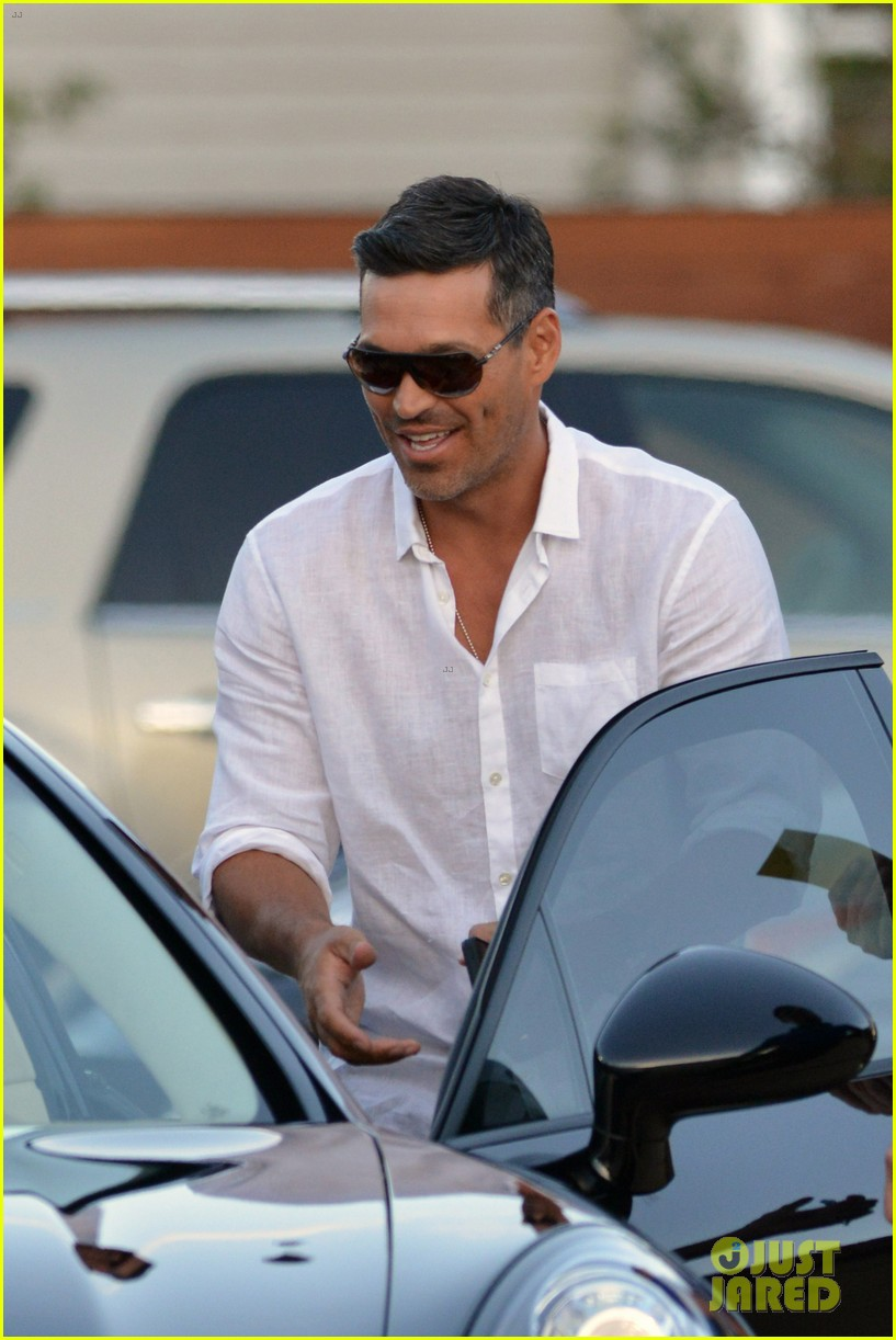 leann rimes birthday celebration with eddie cibrian 012710298