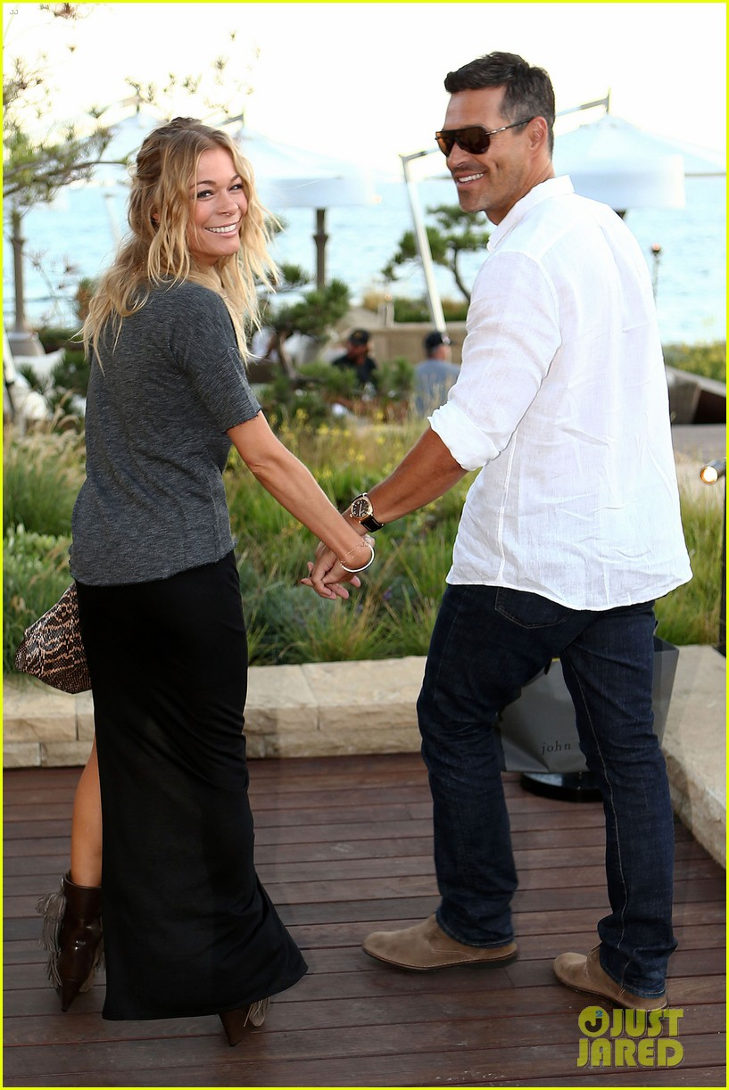 leann rimes birthday celebration with eddie cibrian 052710302