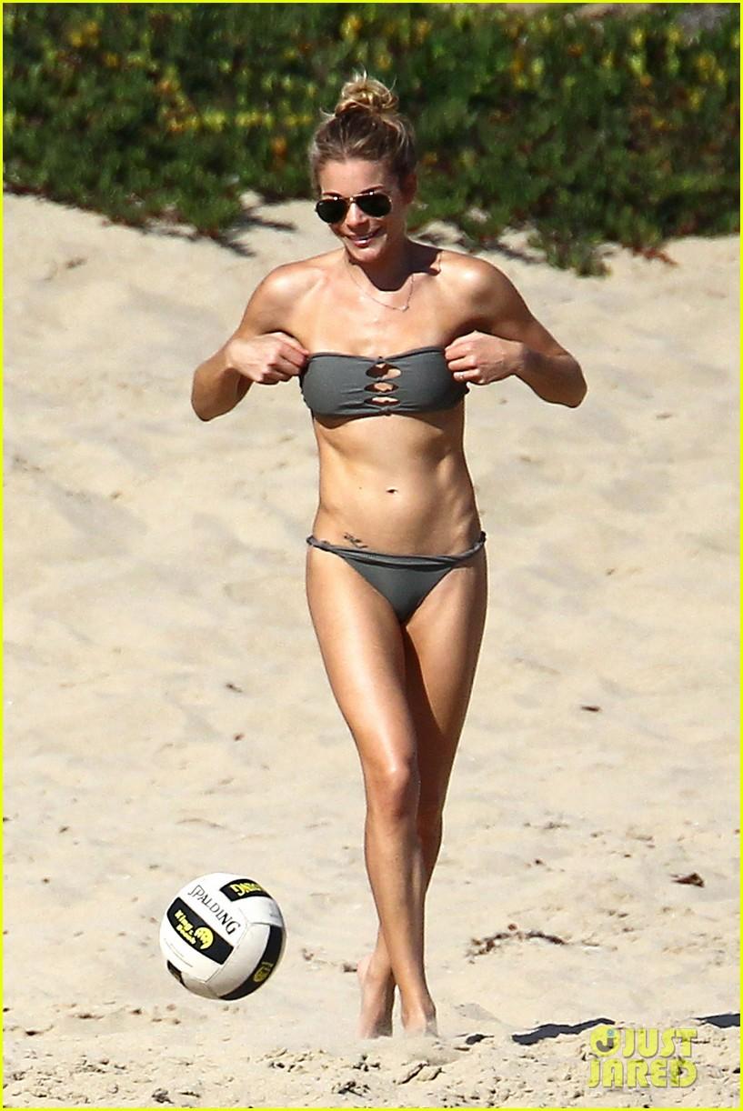 leann rimes bikini beach babe with eddie cibrian 022701478