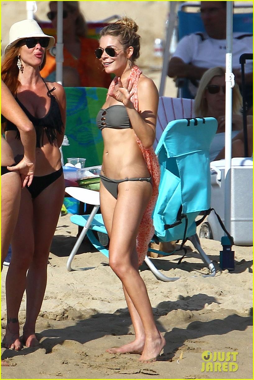 leann rimes bikini beach babe with eddie cibrian 312701507