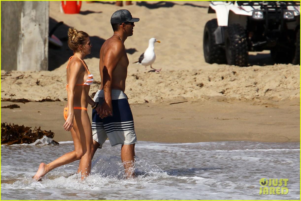 leann rimes bikini beach babe with eddie cibrian 342701510