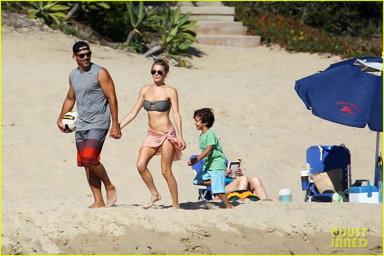 leann rimes bikini beach babe with eddie cibrian 35