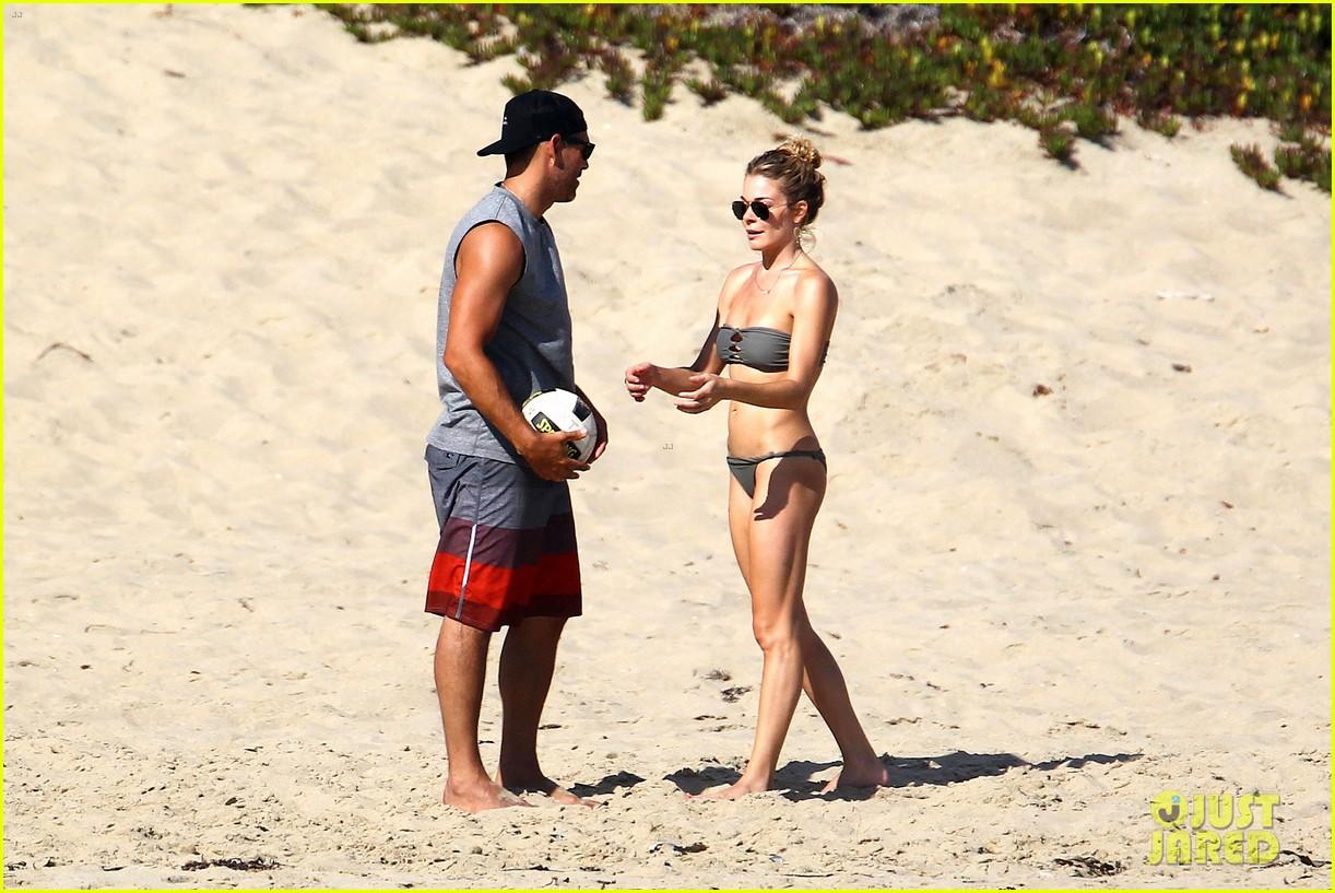 leann rimes bikini beach babe with eddie cibrian 452701521