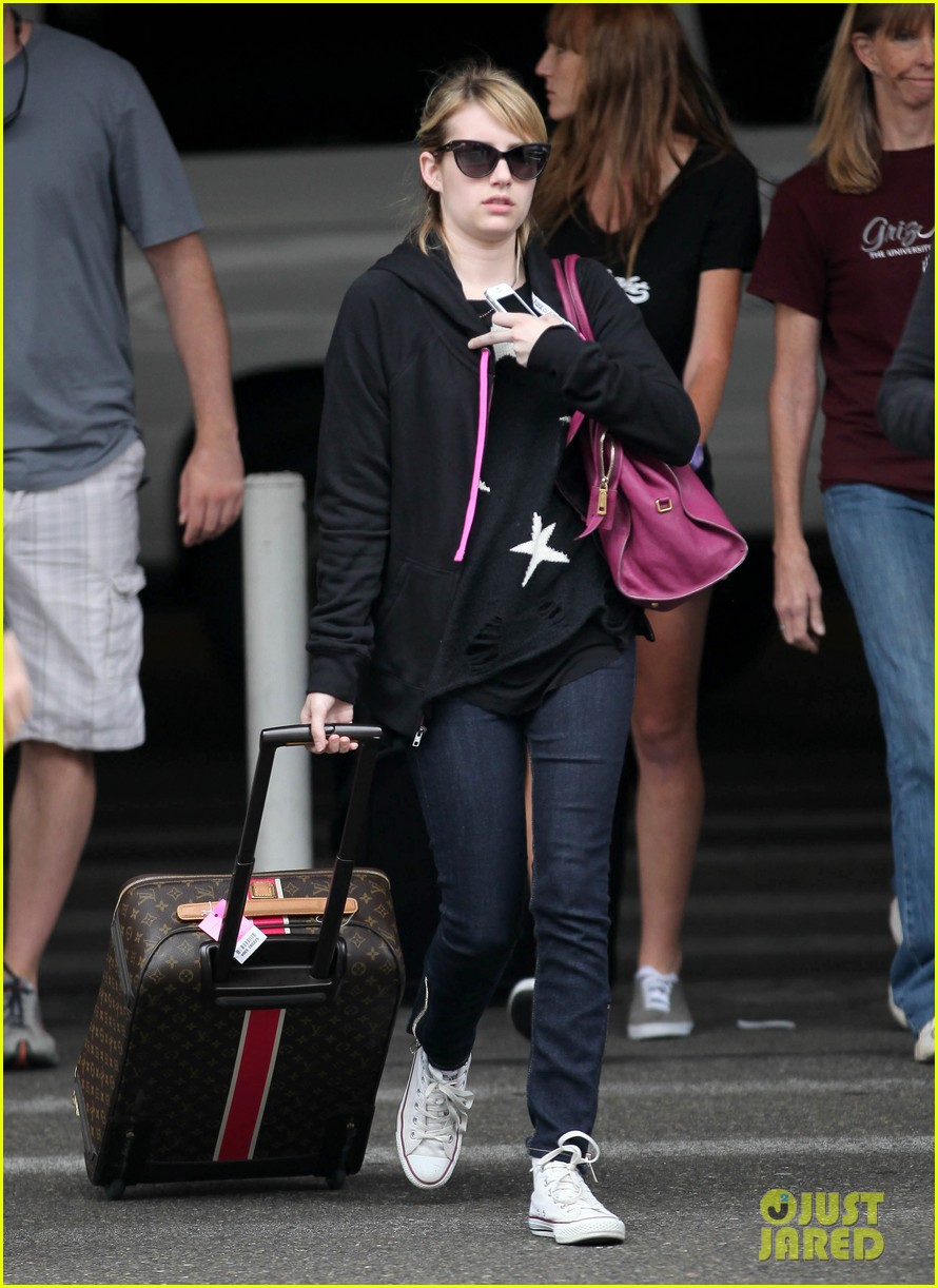 emma roberts starry sweater 052696581