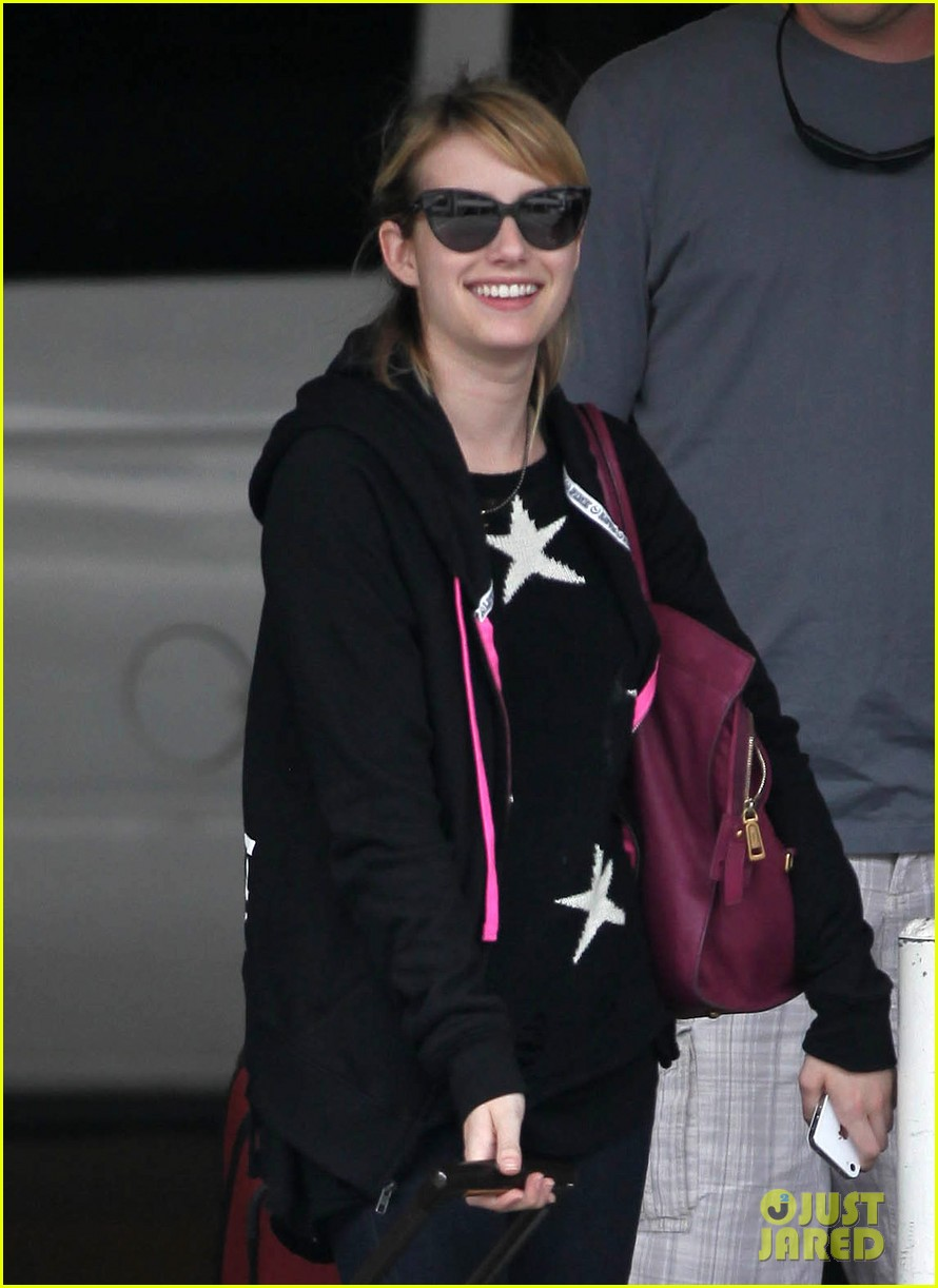 emma roberts starry sweater 082696584