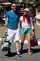 michael rosenbaum shopping with mystery gal 01