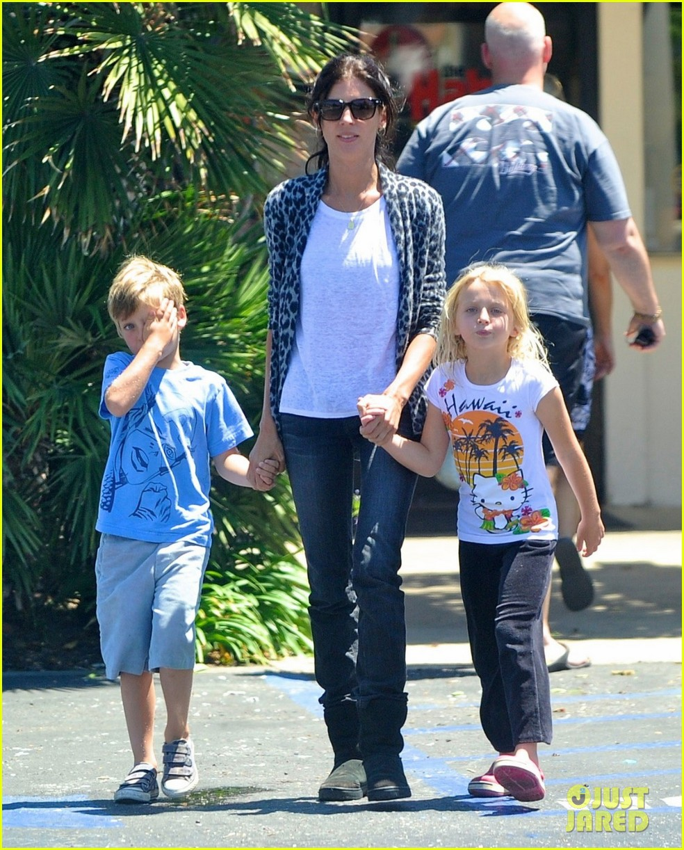 liberty ross steps out with kids post cheating scandal 032698242
