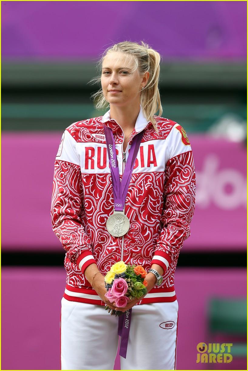 serena williams tennis gold 032696734