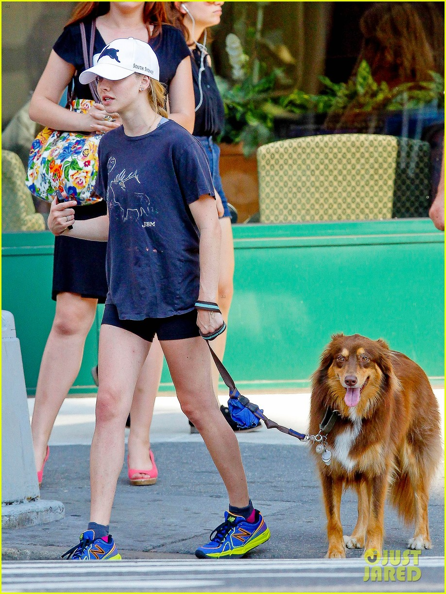 amanda seyfried us open ice cream cone 112710544