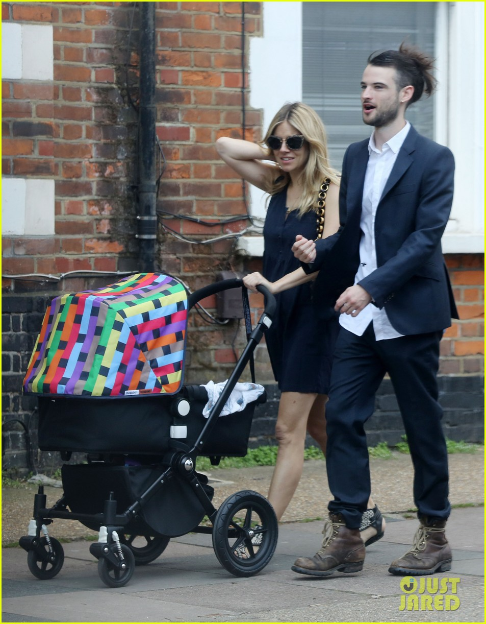sienna miller tom sturridge out with marlowe 012699103
