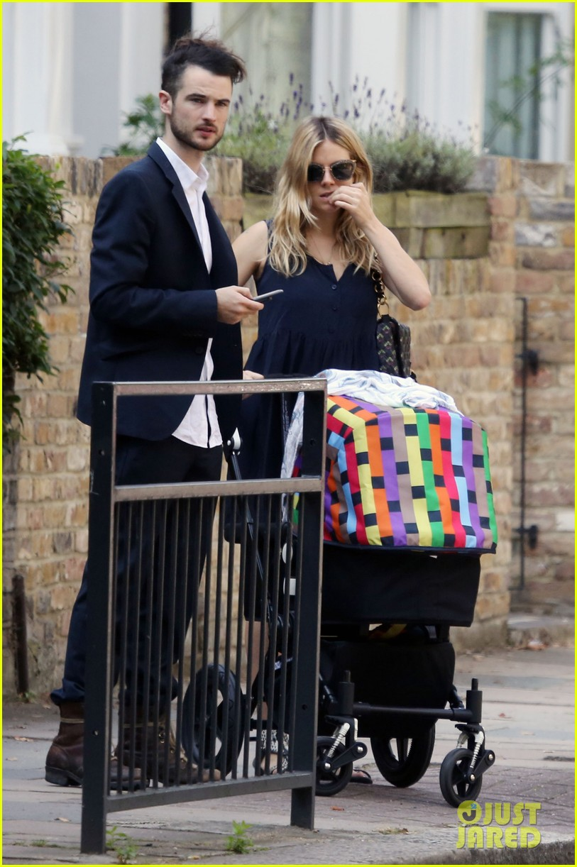 sienna miller tom sturridge out with marlowe 052699107