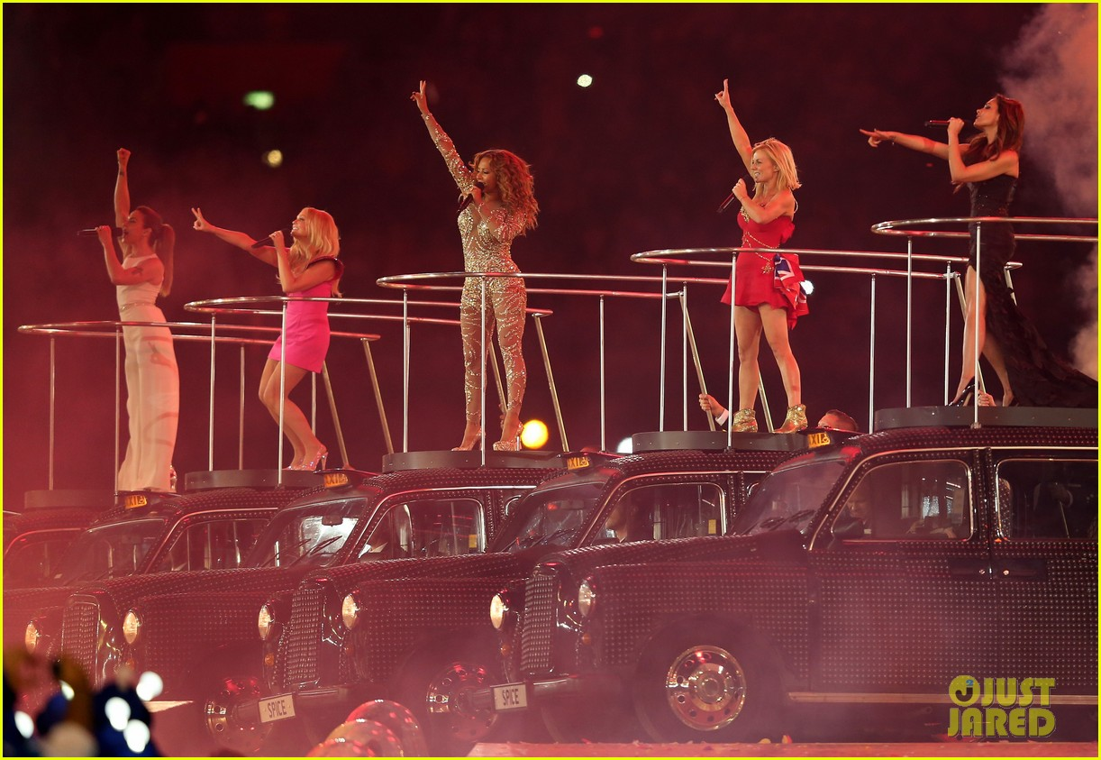 spice girls olympic closing ceremony 102700899