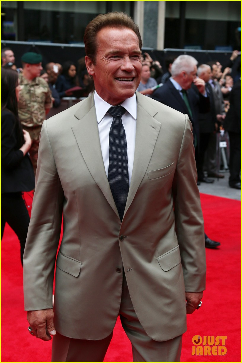 sylvester stallone brings family to expendables 2 premiere 032701631