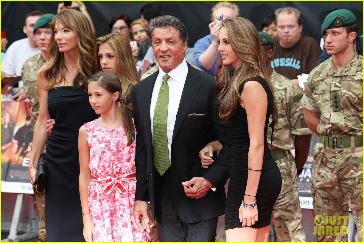 sylvester stallone brings family to expendables 2 premiere 232701651