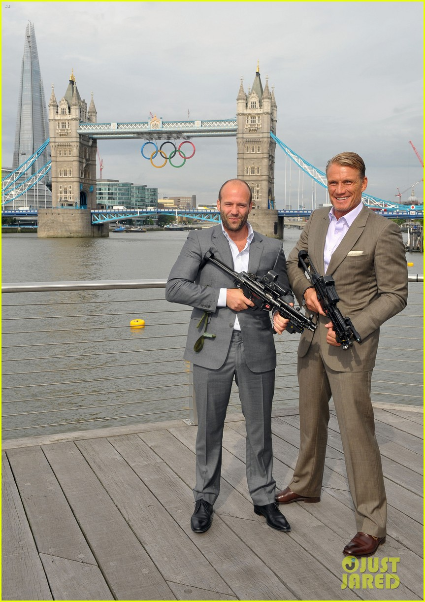 schwarzenegger stallone statham expendables 2 london photo call 012701306