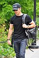 justin theroux central park stroll 05