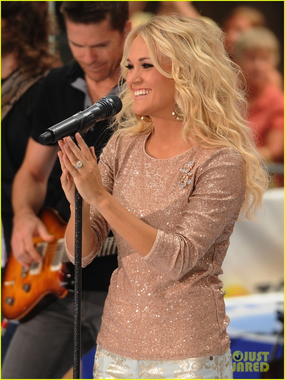 carrie underwood today show performance 042702481