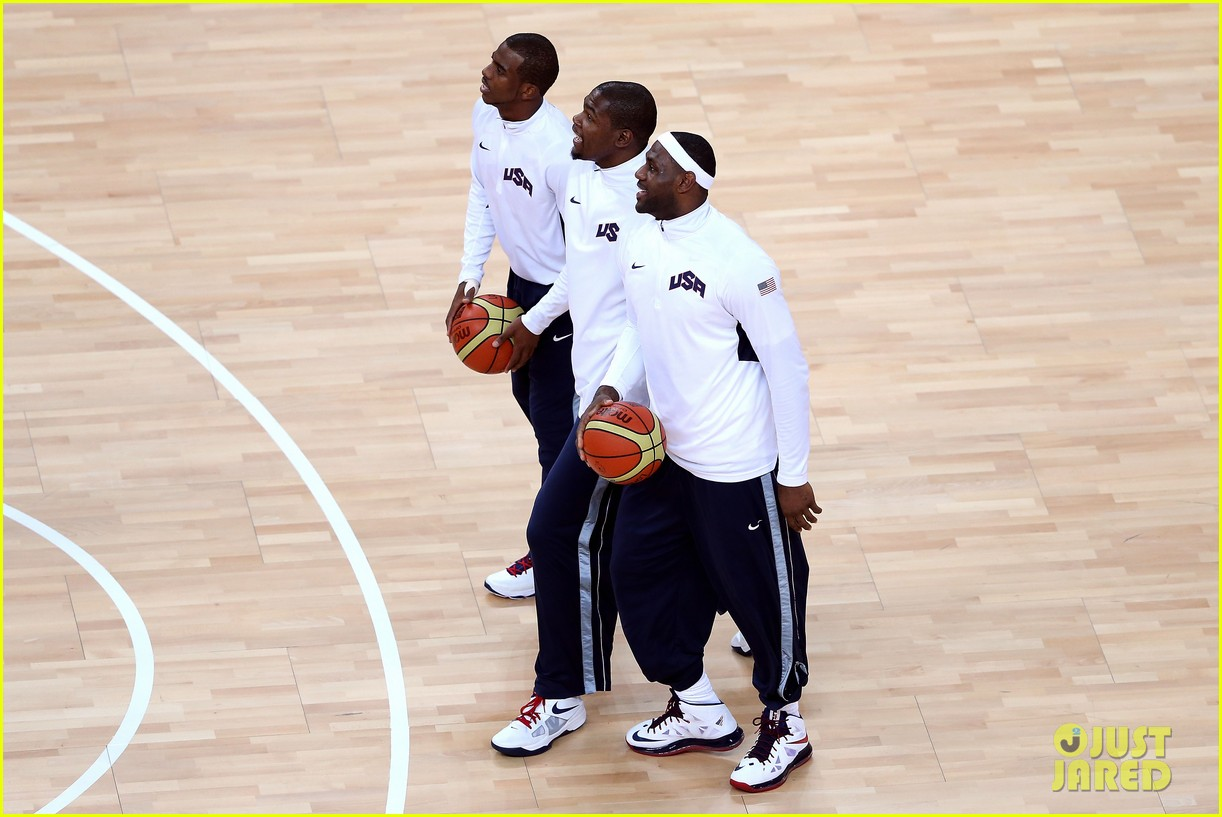 usa wins gold mens basketball olympics 01
