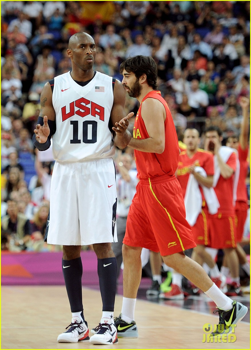 usa wins gold mens basketball olympics 07