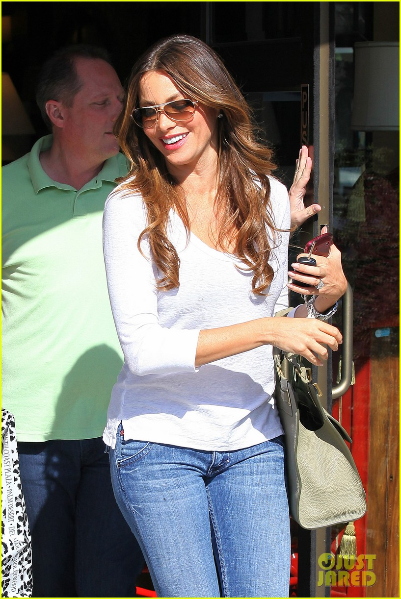 sofia vergara back in la 032695174
