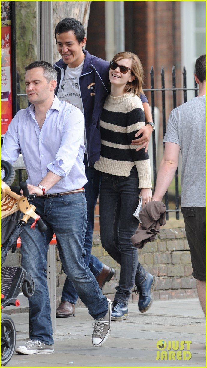 emma watson will adamowicz london stroll 02