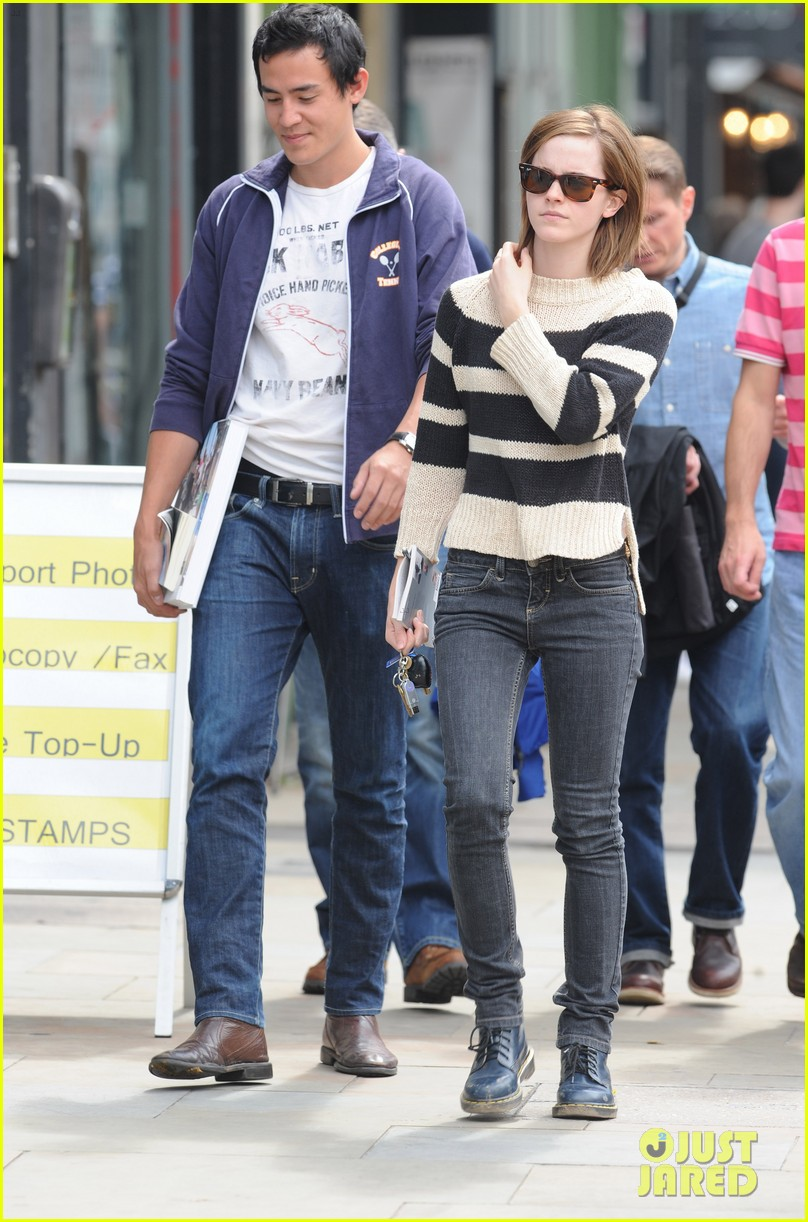 emma watson will adamowicz london stroll 052708841