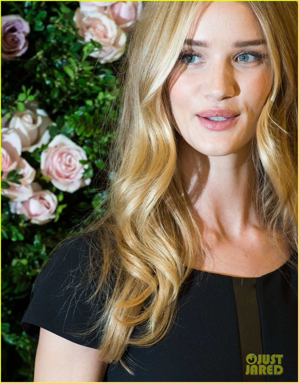 rosie huntington whiteley rosie for autograph launch 062711161