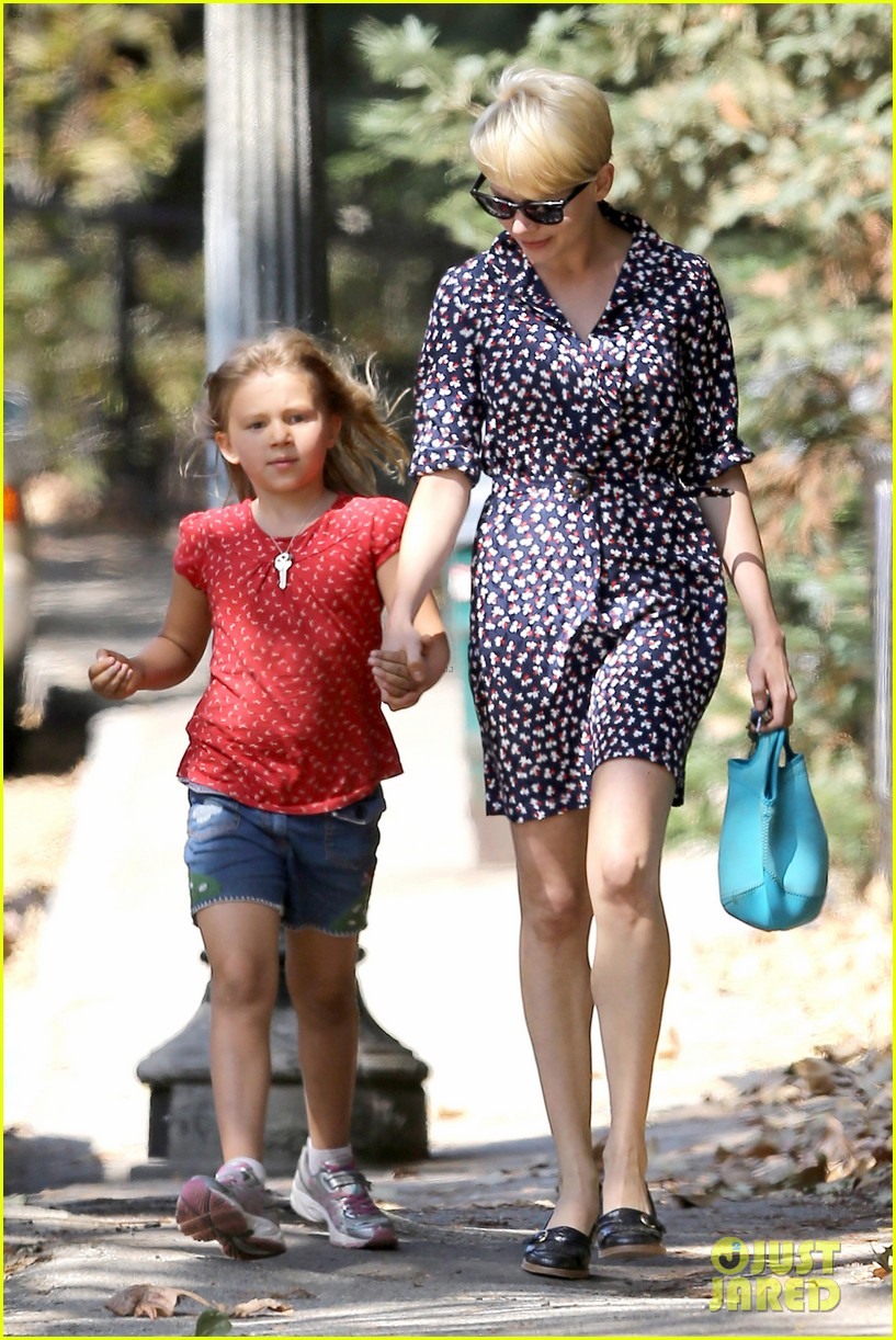 michelle williams summer camp with matilda 102707558